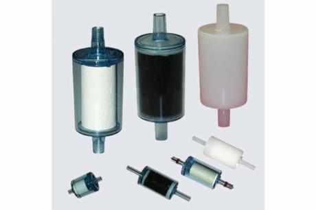Single use filter with adsorber material for air and gas filtration